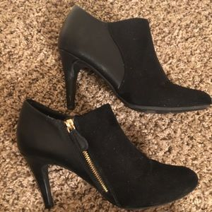Shoes - Black leather/suede heeled booties